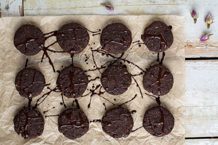 Delicious and hearty really chocolaty vegan chocolate chip cookies that are gluten-free and oil-free.