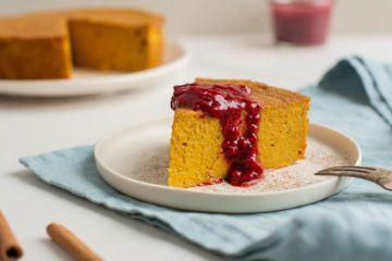Delicious and healthy vegan pumpkin cheesecake with a silky-smooth texture. It is low-glycemic, gluten-free, oil-free and refined sugar free. Make it with it without crust.