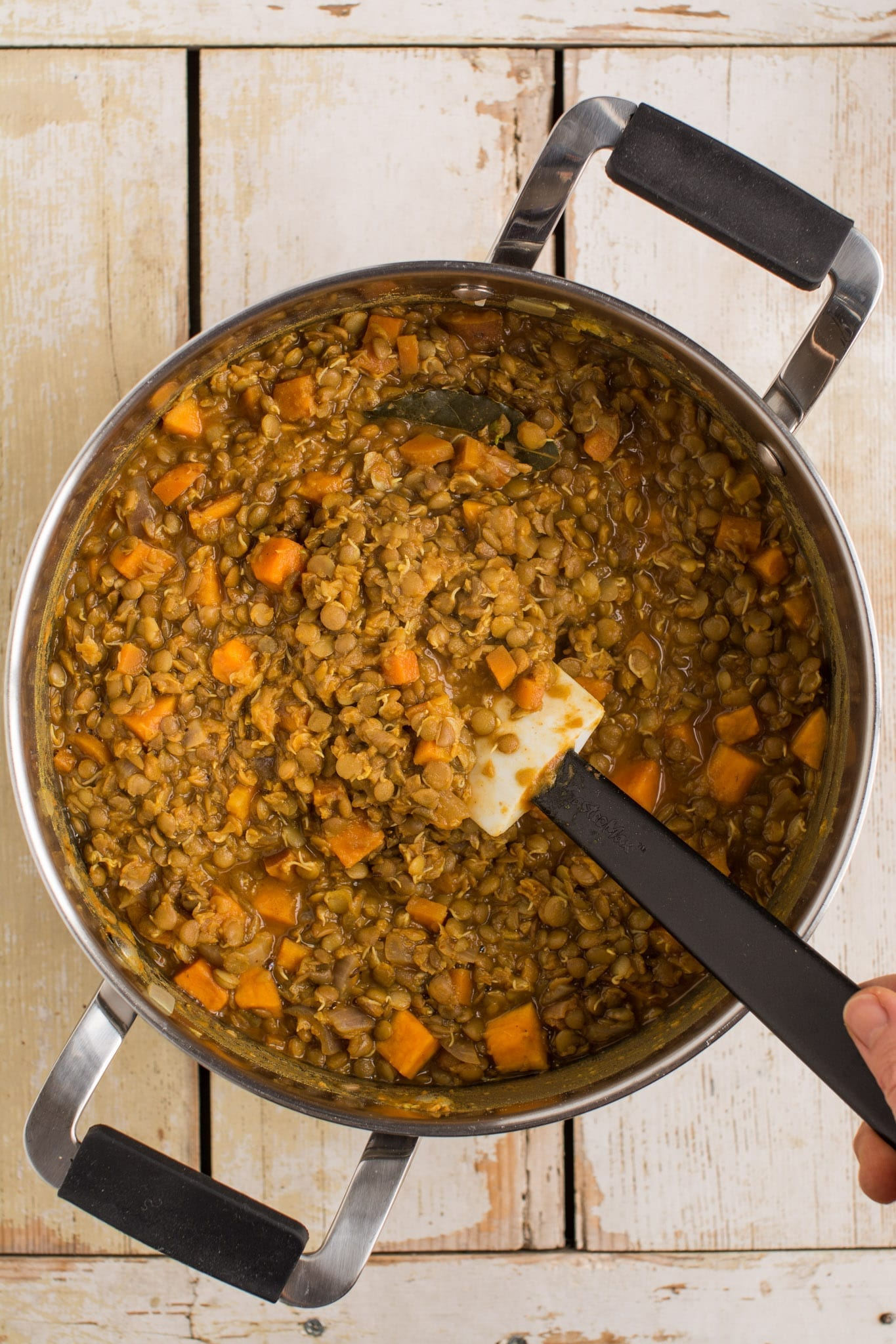 Delicious sweet potato lentil stew is perfect for a weeknight dinner. Ready in 30 minutes. Ideal for meal prepping.